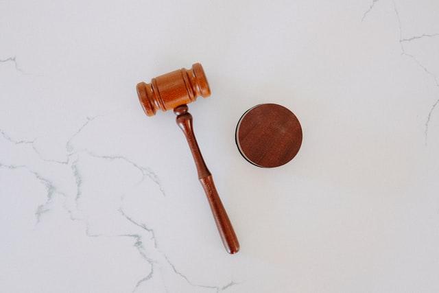 Lees meer over het artikel Wat doet een advocaat van onvermogen?